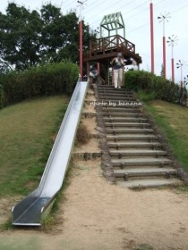 兵庫県立播磨中央公園 長い滑り台
