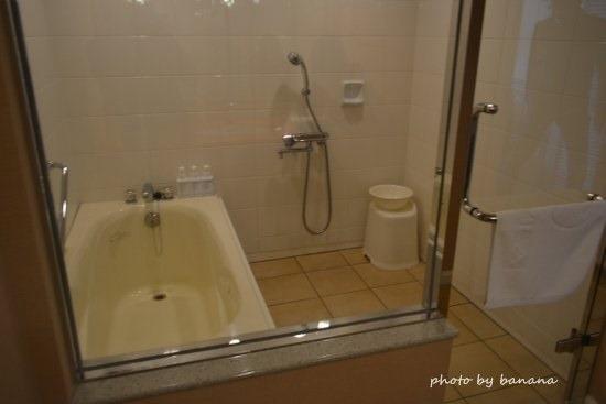 ホテル日航アリビラ プレミアムツイン バスルーム