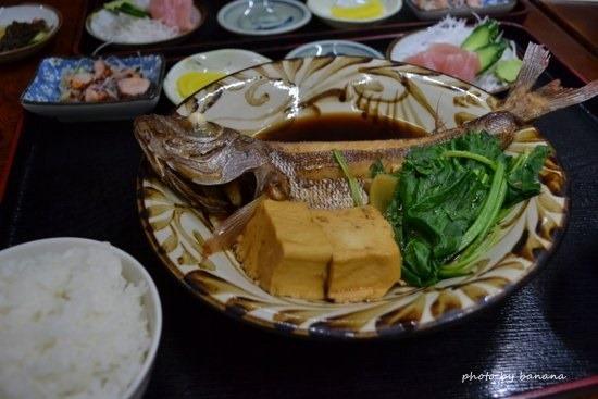 アリビラ周辺レストラン 大木海産物レストラン 魚の煮つけ