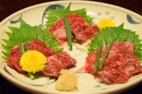 黒川温泉 奥の湯 食事(馬刺し)