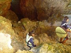 子供と一緒の青の洞窟